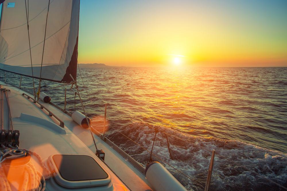 Sunsetting over the horizon